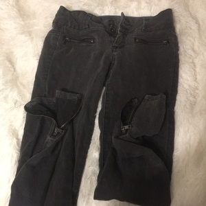Black HotTopic jeans